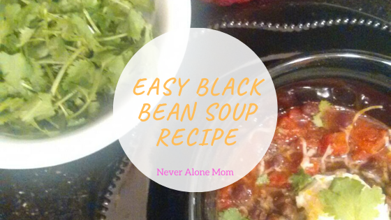 Easy black bean soup! |neveralonemom.com